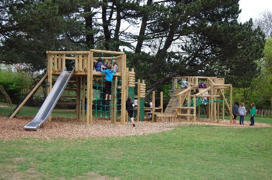 Adventure Play Happy Mount Park